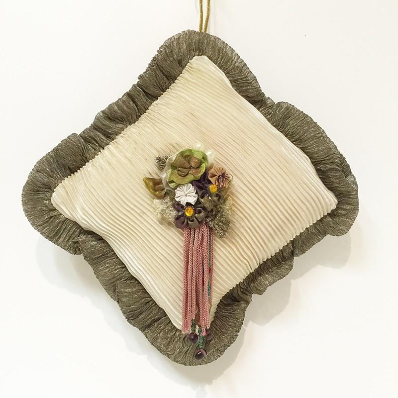 What not pillow orn violet carré