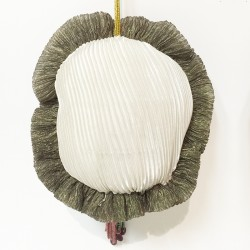coussin en tissu de forme ovale